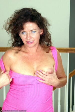 amateur hairy milf pussy