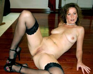 naked sexy milf