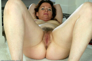 natural hairy milf