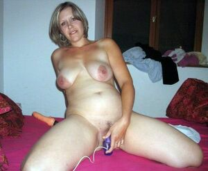mature naked wife