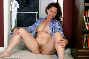 hairy mature pussy galleries