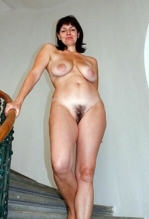 sexy milfs naked