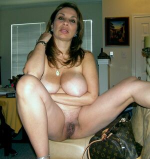 mature brunette naked