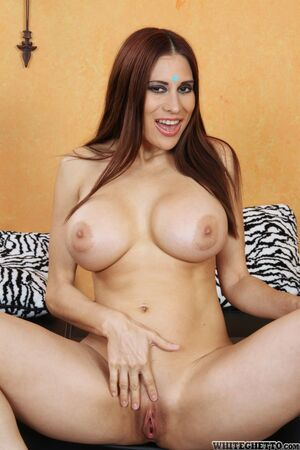latina mature galleries