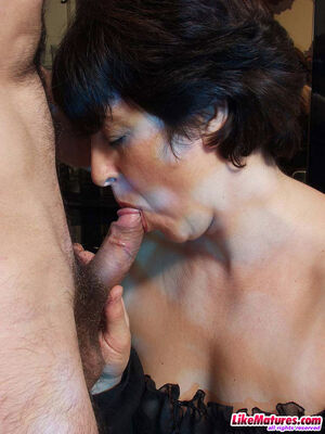 mature hairy brunette