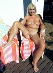 Mature nackt tumblr Mature Woman
